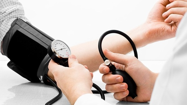 经常出现这3个症状,你可能得了高血压