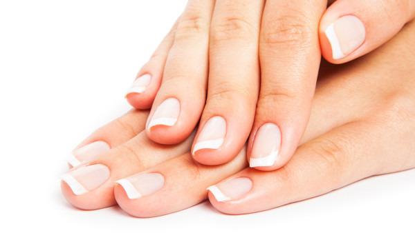 指甲发白是灰指甲吗 指甲发白可用6种方法治疗