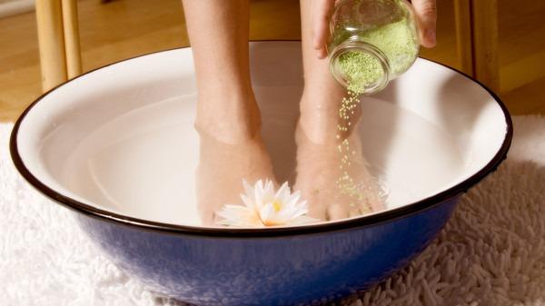 肾病年轻化的4大元凶,泡脚有助远离肾病
