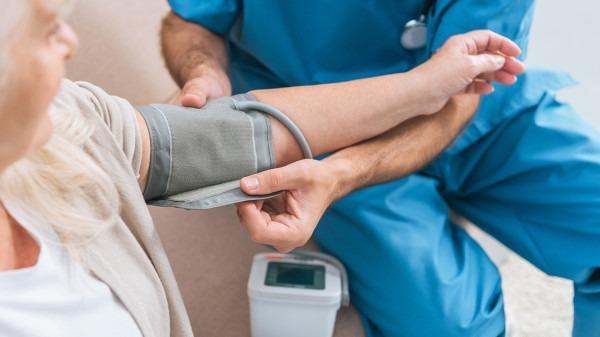 肠癌的发病原因有哪些?肠癌的早期症状及表现有什么