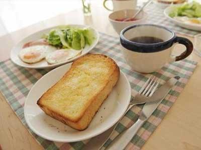 为减少热量摄入,选择不吃早饭的人失策了,因为美国一项新研究表明
