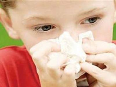 很多家长对宝宝流鼻血都非常担心,有的会有疑问,我的宝宝流鼻血是