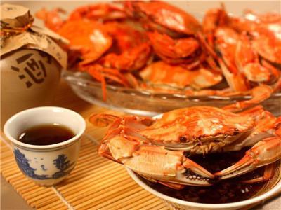 吃螃蟹过敏是怎么回事?