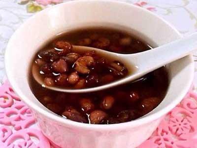 薏米红豆莲子百合桂圆养生粥
