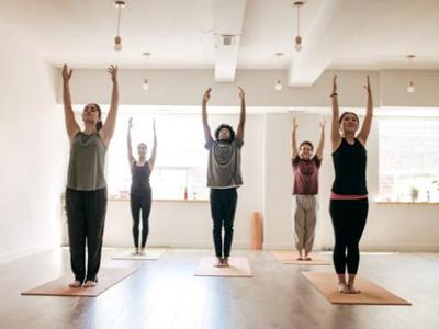 瑜伽一直是女性比价喜欢的一种运动,并且练瑜伽对女性身体也比较好,瑜