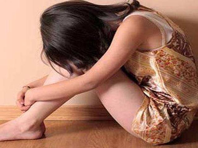 父亲幼女乱来_强奸幼女的禽兽父亲怎能轻判?网友表示该枪毙