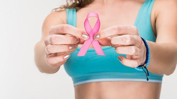 隆胸12年,为何乳房变石头