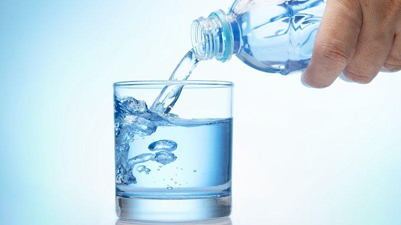冬季养生需要注意什么呢?冬季每天喝多少水合适呢?
