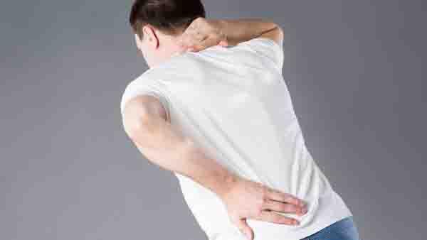 哪些人容易得颈椎病 如何治疗