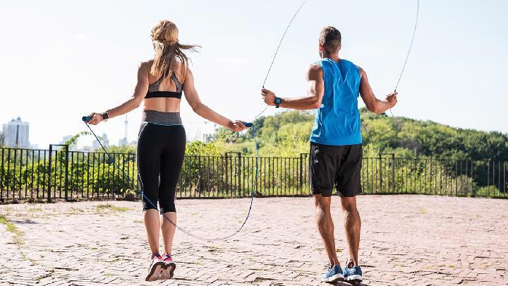 瑜伽减肥又养生 4个动作简单甩肉