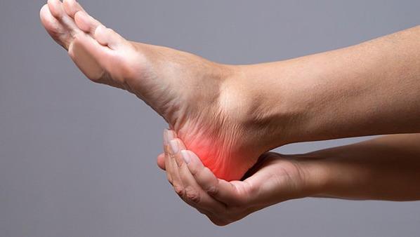 脚后跟疼痛是什么原因 后脚跟疼痛要警惕4种疾病