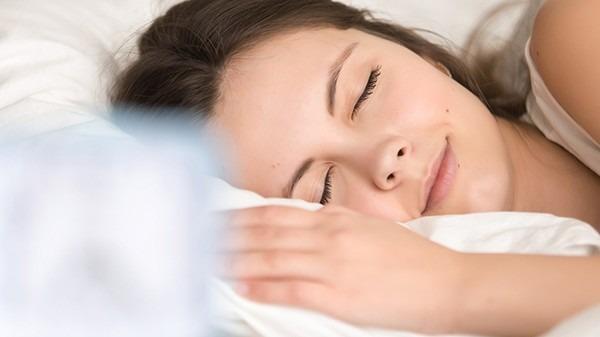 熬夜后皮肤暗黄?4方法拯救你的脸