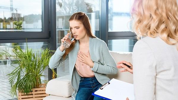 大量喝水能预防新冠病毒?假的!