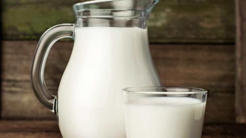 牛奶洗脸有什么好处,如何用牛奶洗脸