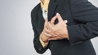 抽烟胸闷是怎么回事,出现胸闷必须警惕胸病