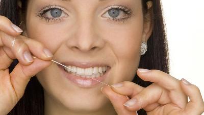 蛀牙是吃糖引起的吗  蛀牙的原因是什么