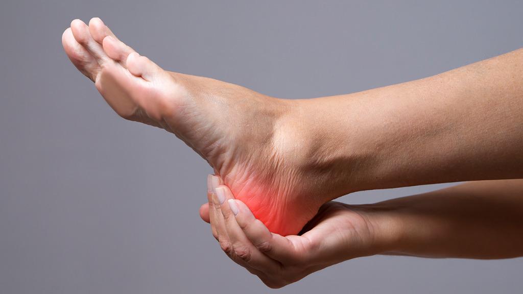 脚后跟疼的原因是什么?保养脚后跟的方法有哪些