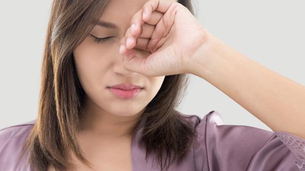 抑郁症的前兆表现是什么 导致抑郁症的5个因素是什么