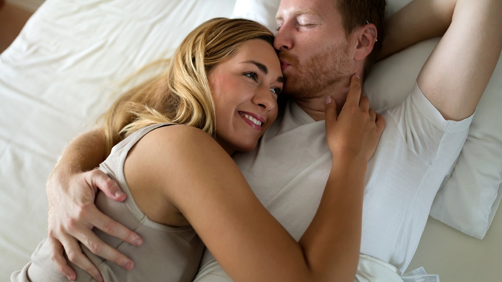 怎么判断男人爱情观 睡前3种习惯透露实情