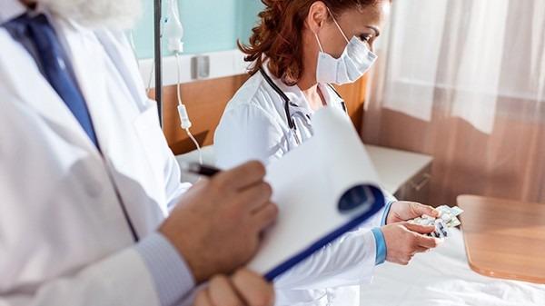 经常吐血能活多长时间?肝硬化晚期患者有哪些表现