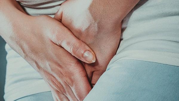 外阴白斑的早期症状是什么 早期怎么治疗