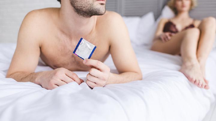 女性经常吃避孕药会怎样 避孕药5种最常见的不良反应