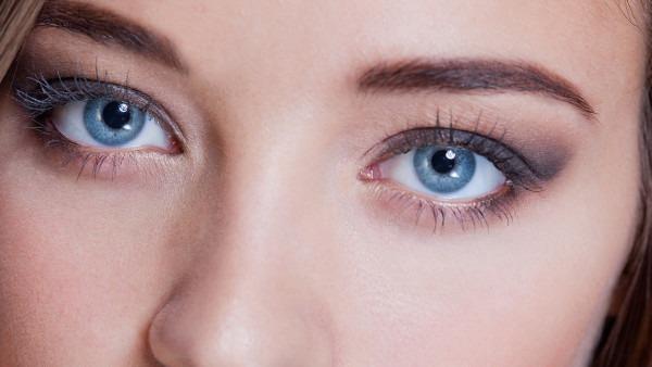 眼睛细菌感染是什么症状 眼睛细菌感染会出现的4种眼病表现