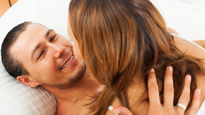 物质能衡量爱情吗 真挚的爱情该怎么去衡量