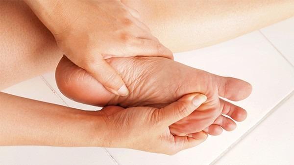跟腱炎的早期症状有哪些 早期跟腱炎会出现这几种疼痛