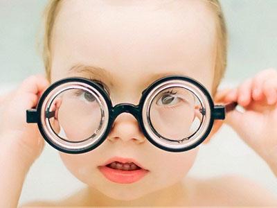 如何确保宝宝眼睛明亮?