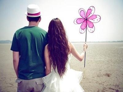 恋爱时靠什么来吸引对方的注意