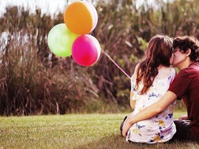 恋爱时靠什么来吸引对方的注意3