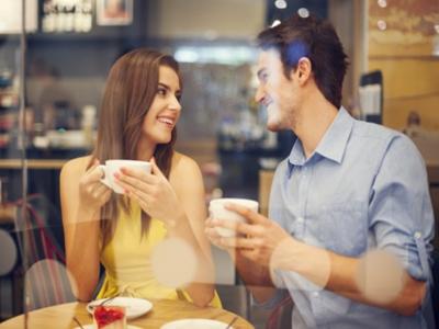 夫妻清晨耳语让性爱更激情