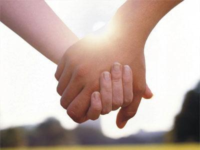 情侣经常牵手竟让心脏更健康2