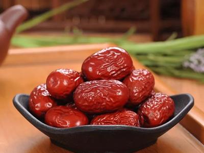 女人别再拼命吃红枣为了补血了!