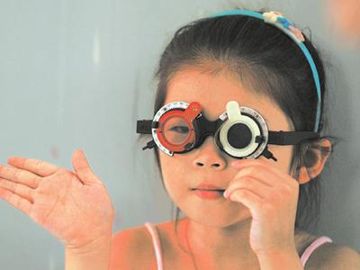 高度远视怎么办 孩子如何远离近视眼