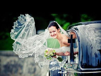 新娘的头纱怎样佩戴才显得更加完美