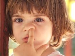 注意了!挖鼻孔可能会传播肺炎!