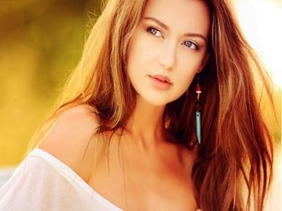 beauty-woman-portrait-face-89790.jpg