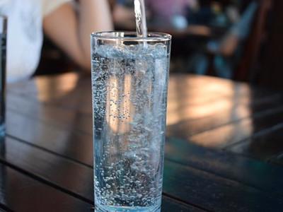 bottle-2582012__340_副本.jpg