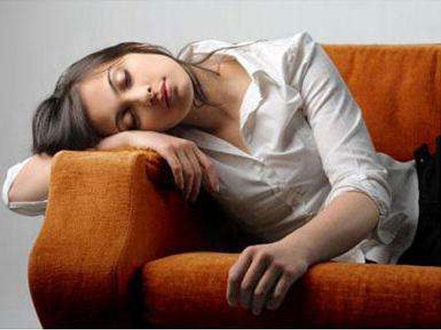 女生长期月经不干净?超过半月应是5大病因引起