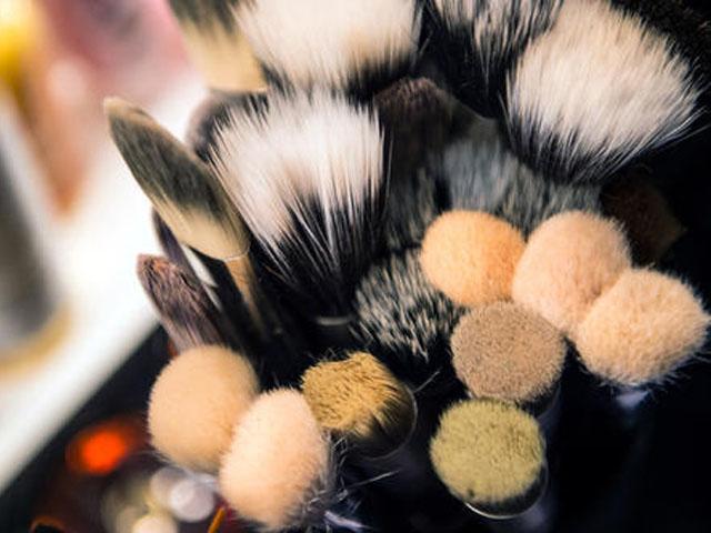 化妆新手如何挑选粉底刷?粉底刷的正确用法