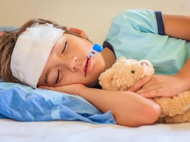 【小孩发烧怎么办?小孩发烧家中常用的退烧方法】小孩发烧了怎么办如何退烧