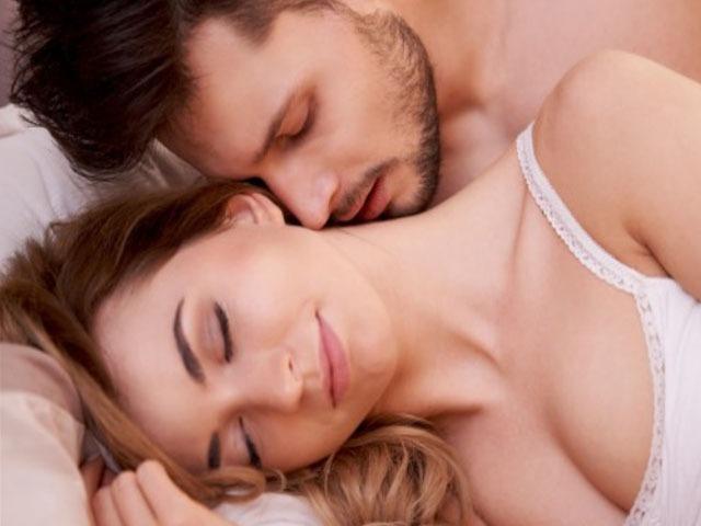古装三级片教你性爱技巧 如何亲到女友高潮